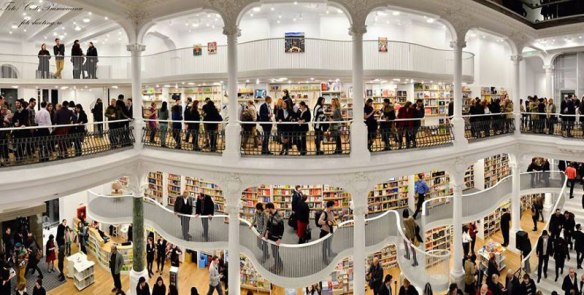 carturesti carusel book store bucharest romania (1)